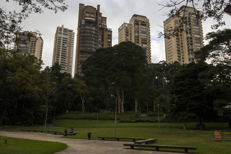 Parque Burle Marx, na Marginal Pinheiros, zona sul de São Paulo