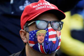 Supporters of U.S. president Donald Trump gather to demand a fair count of the votes of the 2020 U.S. presidential election, in Philadelphia
