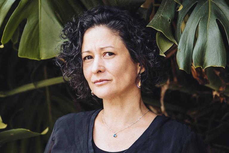 Cachorra vira símbolo de uma mãe agressiva em romance de Pilar Quintana