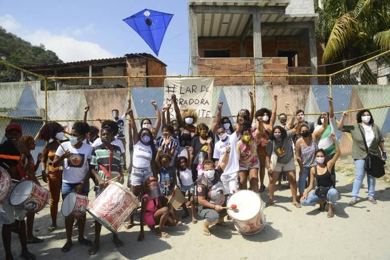Moradores organizam a primeira OCA (Ocupação Cultural Artística), no dia 5 de setembro, e pedem fim da truculência da polícia no Complexo do Viradouro, em Niterói, região metropolitana do Rio ações culturais que pedem fim da truculência da polícia no Complexo do Viradouro, em Niterói, região metropolitana do Rio