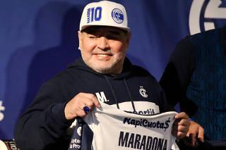 FILE PHOTO: Argentina - Diego Maradona unveiled as new Gimnasia y Esgrima de La Plata coach in 2019