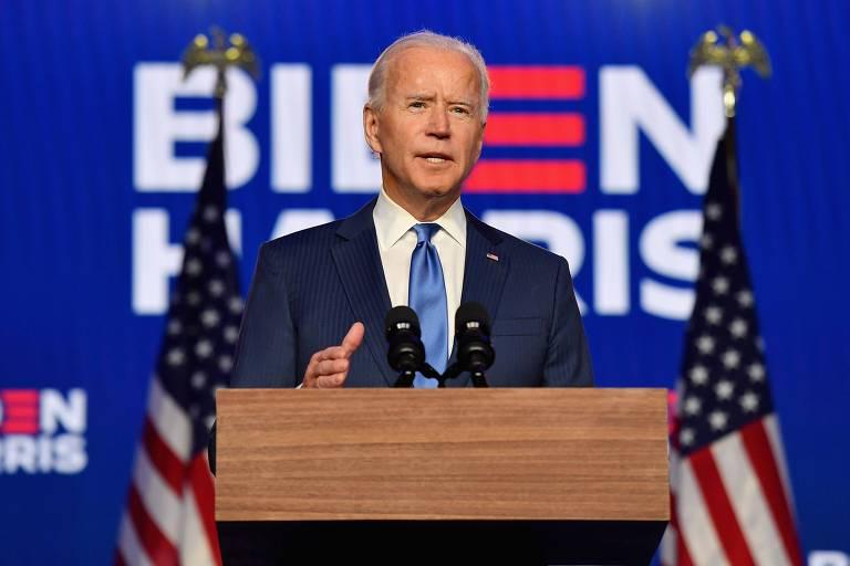 Joe Biden discursa na noite desta sexta-feira (6) em Wilmington, Delaware, enquanto o resultado da eleição americana segue indefinido