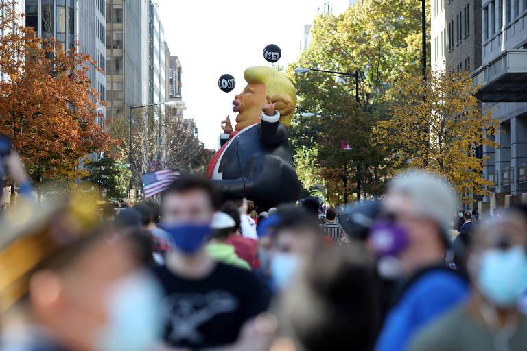 Americanos reagem nas ruas à vitória de Joe Biden na eleição