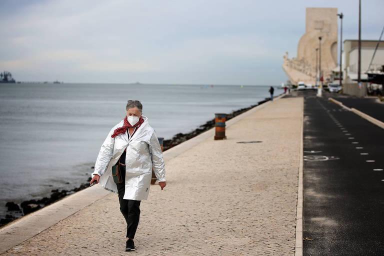 Portugal impõe toque de recolher para 70% da população