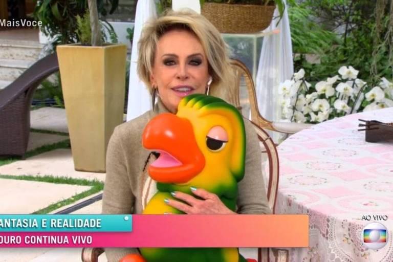 Ana Maria apresenta Mais Você com boneco do Louro José no colo e revela sonho com Tom Veiga