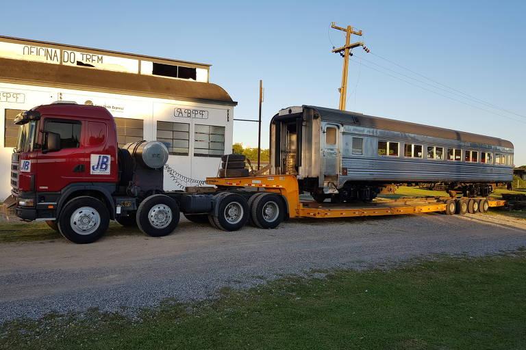 Vagão que fará parte do trem turístico chega a Itu nesta segunda-feira (9), vindo de Curitiba