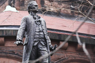 A statue of Alexander Hamilton on the grounds of St. Luke's Episcopal Church in New York, Jan. 16, 2016. (Byron Smith/The New York Times)