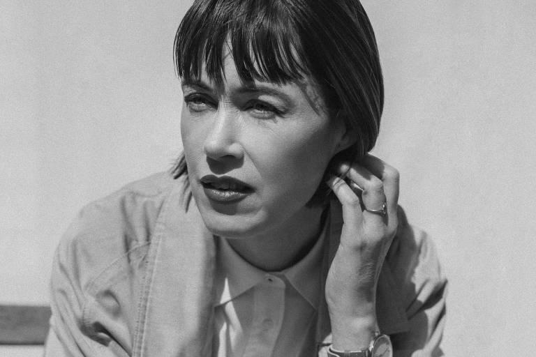 Ex-mulher de Knausgård fala de eletrochoque e separação de escritor em romance