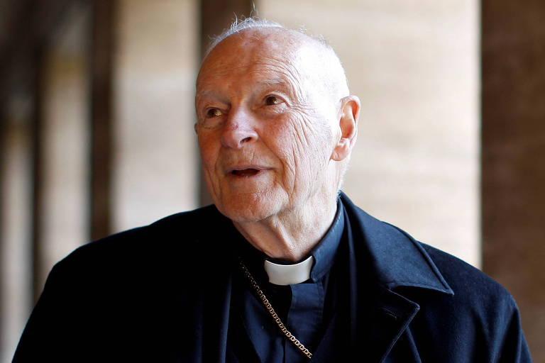 Vaticano admite que João Paulo 2º sabia de alegações de abuso sexual ao promover arcebispo