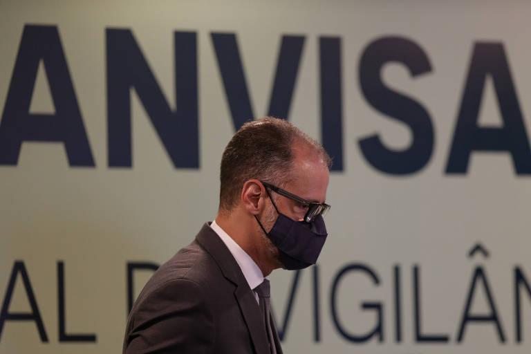 O diretor-presidente da Anvisa, Antonio Barra Torres, durante entrevista sobre a Coronavac