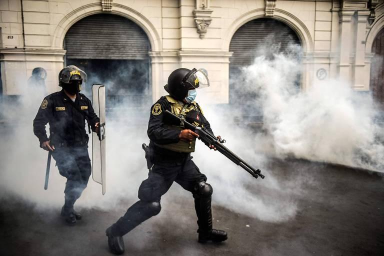 Ao menos 30 pessoas são presas em protestos contra posse de novo presidente do Peru