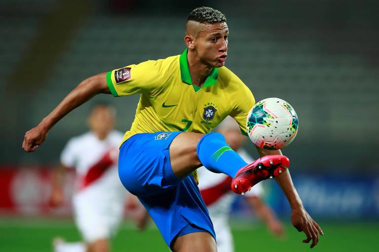 Seleção brasileira testa modelo de sufoco ao rival sem Neymar