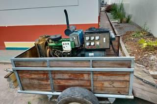 Gerador de energia, movido a diesel, colocado em frente à UBS AM