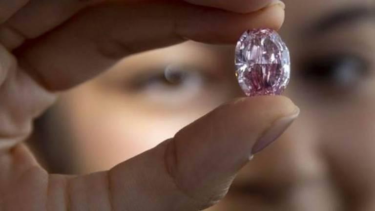 O diamante Espírito da Rosa de 14 quilates foi batizado com o nome de um balé