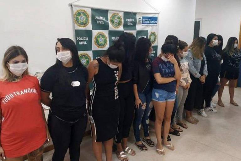 A filha caçula do cantor Belo, Isadora Alkimin Vieira, 21, foi presa pela polícia no Rio