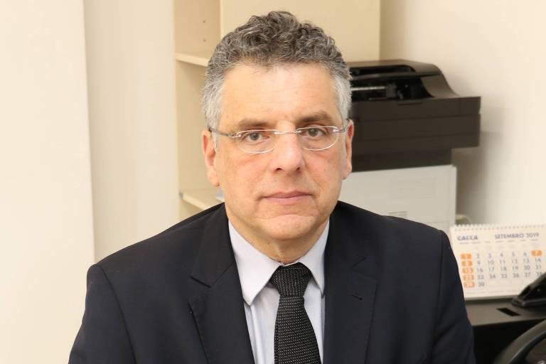 Luiz Guilherme Piva Economista, mestre (UFMG) e doutor (USP) em ciência política e autor de 'Ladrilhadores e Semeadores' (Editora 34) e 'A Miséria da Economia e da Política' (Manole)