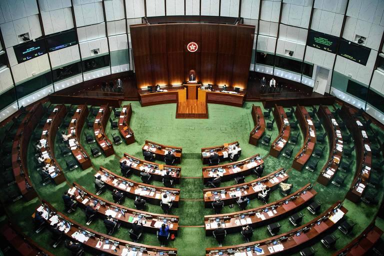 EUA, Reino Unido e UE condenam resolução da China que silencia opositores em Hong Kong