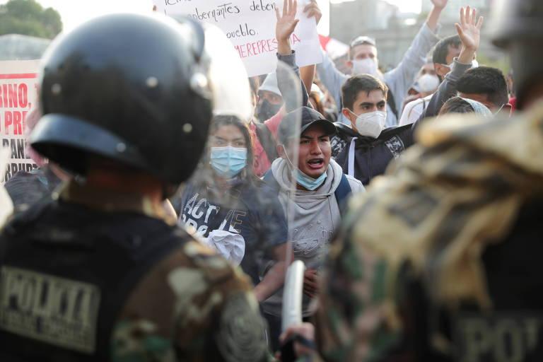 Presidente afastado do Peru convoca mais protestos contra governo comandado por chefe do Congresso