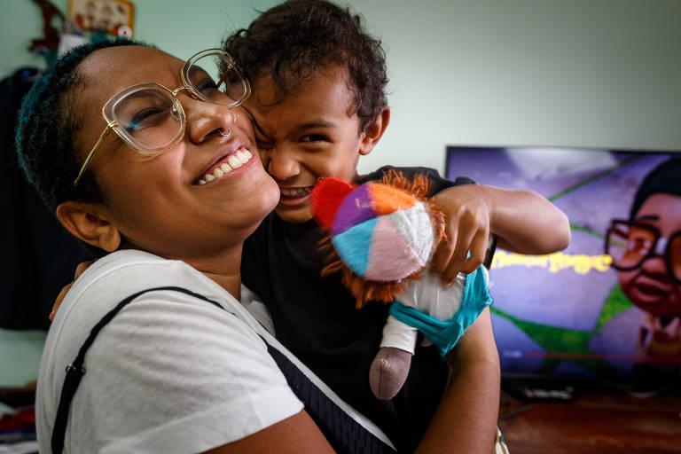 Luciana Ramos, 25, é mãe solo do pequeno Thomas, 3. Ela vive com a família (mãe, avó e irmão) na zona oeste de São Paulo, no bairro do Butantã.