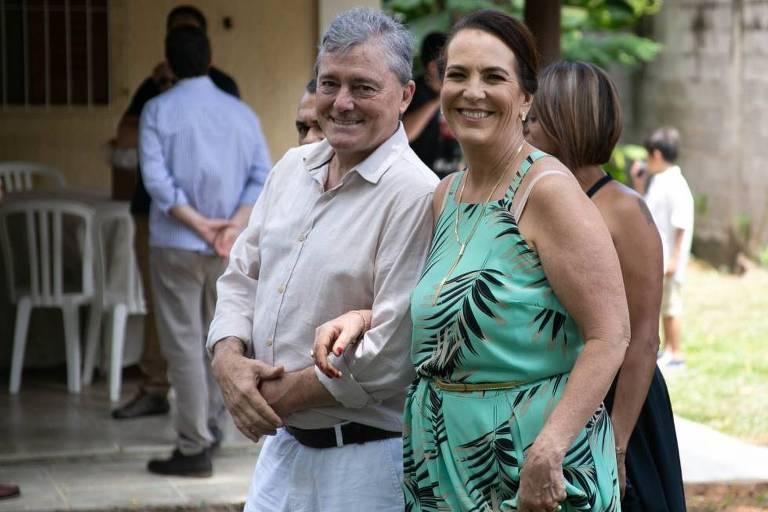 Romeu Cesar e a esposa Rosangela Crisostomo Silveira Gosuen