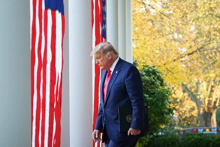 O presidente dos EUA, Donald Trump, antes de discursar nos jardins da Casa Branca, em Washington