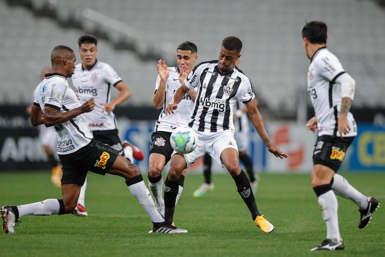 Corinthians perde de virada em Itaquera para o Atlético-MG