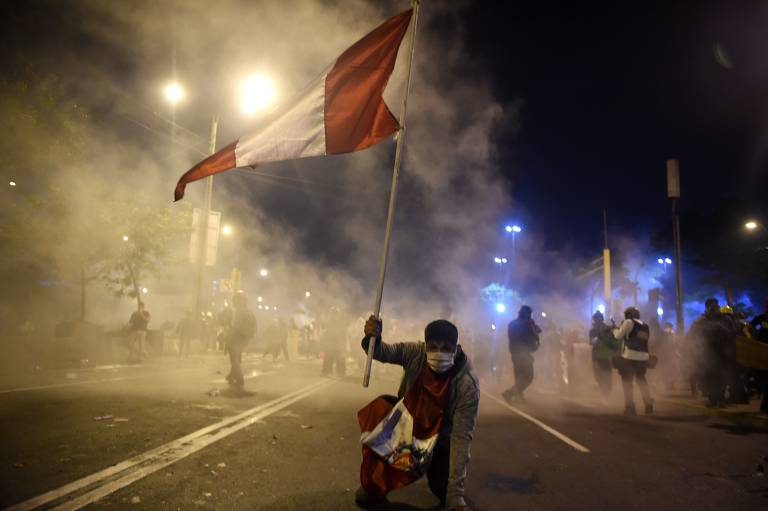 Protesto no Peru após impeachment de Vizcarra