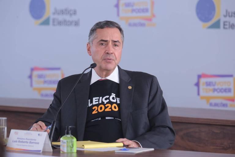 O presidente do TSE,  Luís Roberto Barroso, dá entrevista coletiva sobre o andamento das eleições 2020