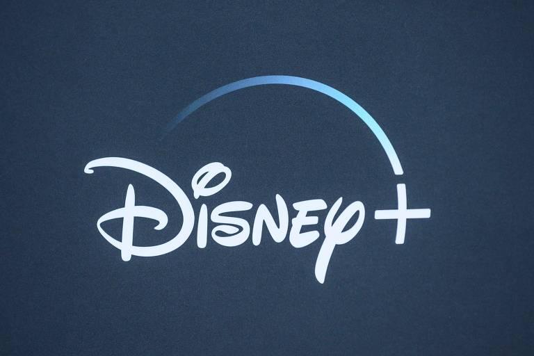 """Logo da Disney+ é exibido em evento de estreia da série original da plataforma """"The Mandalorian"""", em 2019"""