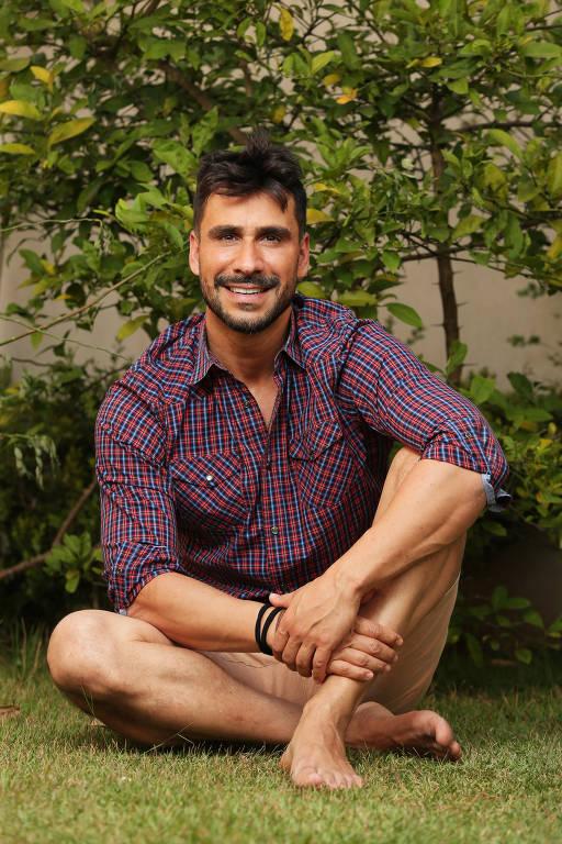 Imagens do ator Julio Rocha