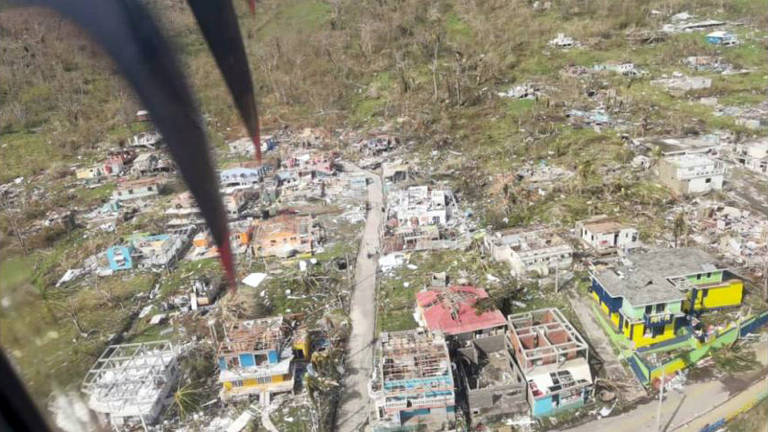 Imagem aérea da ilha de Providência, na Colômbia, após passagem do fucarão Iota