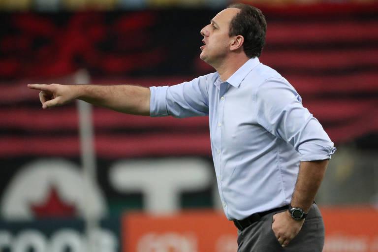 Técnico Rogério Ceni durante partida à frente do Flamengo