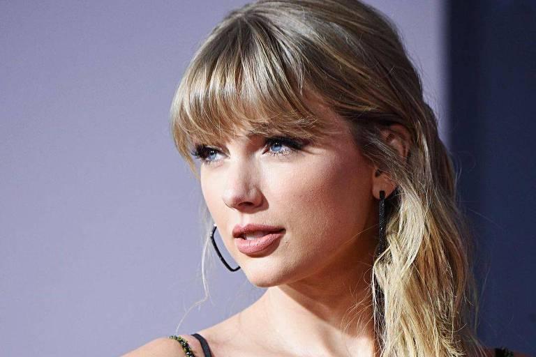 Taylor Swift é eleita artista do ano pela 6ª vez no American Music Awards