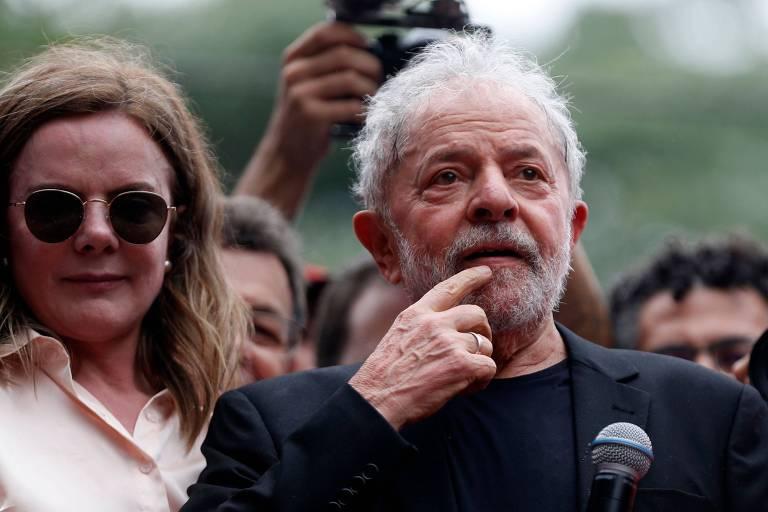 Gleisi Hoffmann e Lula participam de comício em São Bernardo do Campo