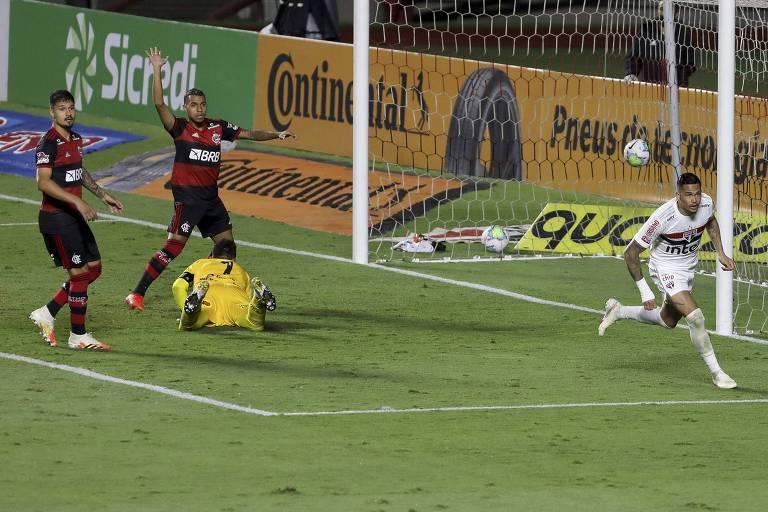 Luciano, do São Paulo, logo após marcar seu primeiro gol contra o Flamengo