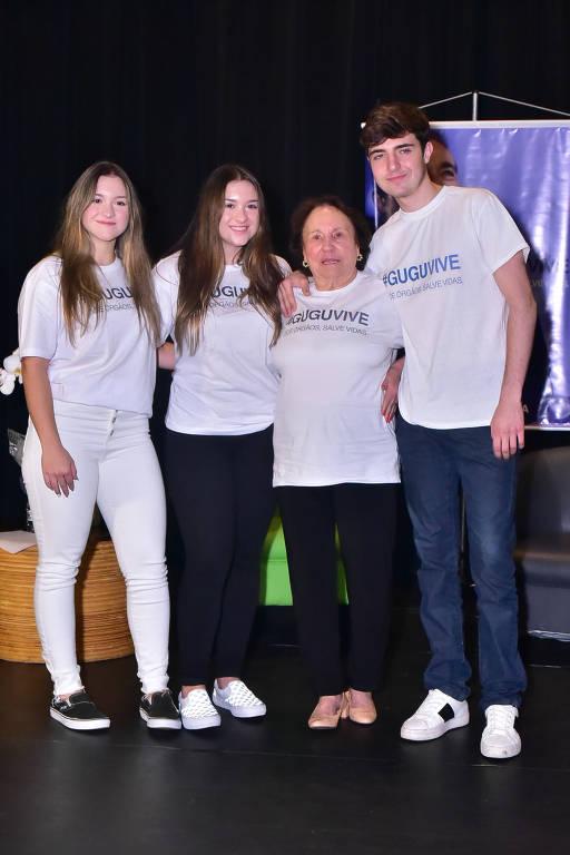 Família de Gugu Liberato lança campanha #GuguVive
