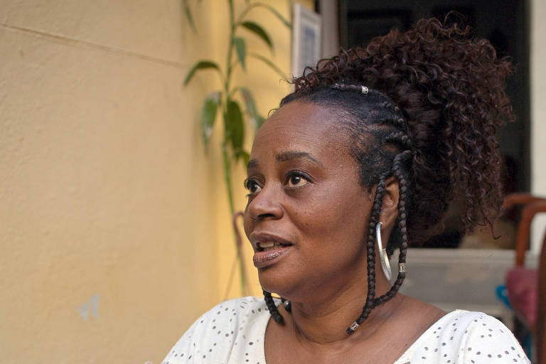 A escritora Eliana Alves Cruz, 53, do projeto Cais de Ideias, no Cais do Valongo