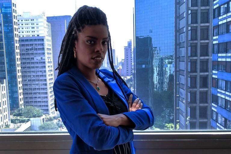 Monique Rodrigues do Prado - Advogada e integrante do corpo de advogados voluntários da Educafro e da Comissão de Direitos Humanos da OAB (subseção Osasco), é cofundadora do Afronta Coletivo e participante do Comitê de Igualdade Racial do Grupo Mulheres do Brasil