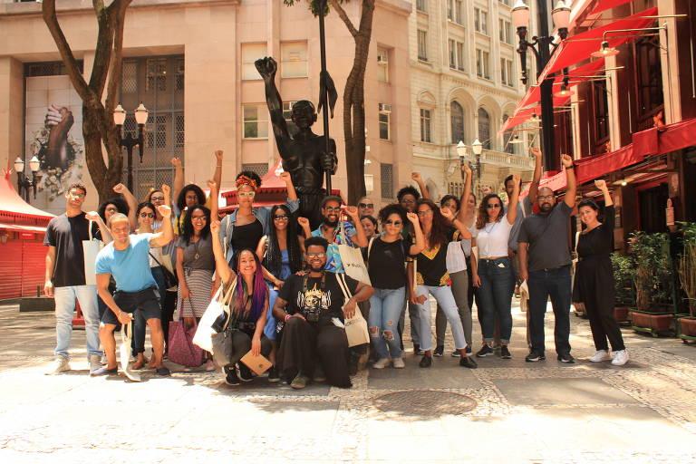Caminhada organizada pelo Diáspora Black