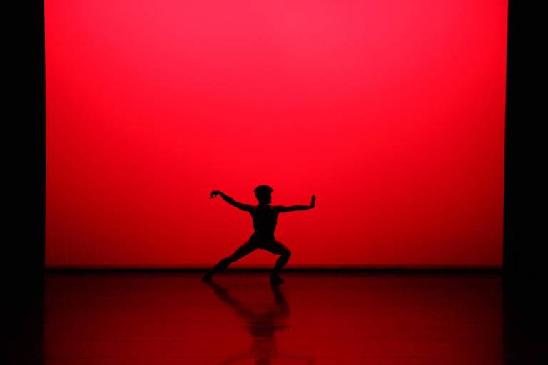 """Coreografia """"Respiro"""", da São Paulo Companhia de Dança"""