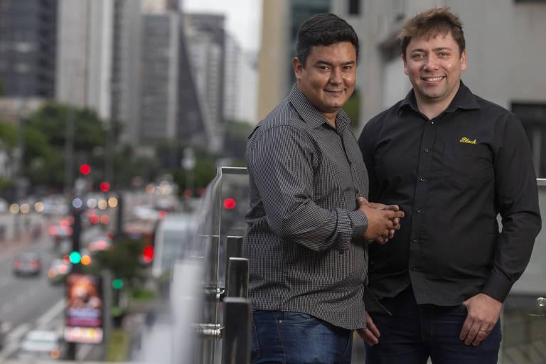 Os empresários Diego Jardim e Dimitri Barros, sócios da empresa Block Selantes, em São Paulo