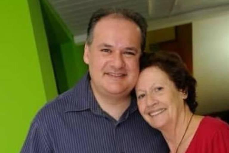 Catalina Escribano Palomino (1934-2020) e o filho Roberto Escribano Martinez
