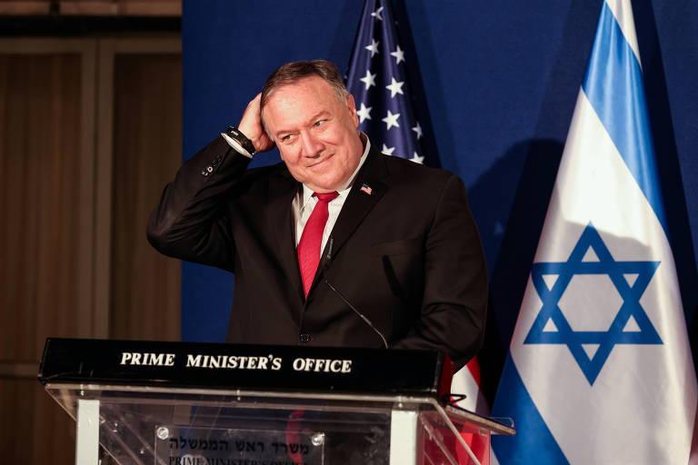 O secretário de Estado dos EUA, Mike Pompeo, participa de entrevista coletiva junto ao primeiro-ministro de Israel, Binyamin Netanyahu, e o ministro de Relações Exteriores do Bahrain, Abdullatif Al Zayani, em Jerusalém