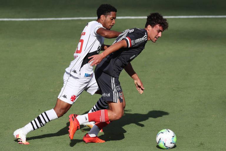 Lance de São Paulo e Vasco, que empataram em 1 a 1