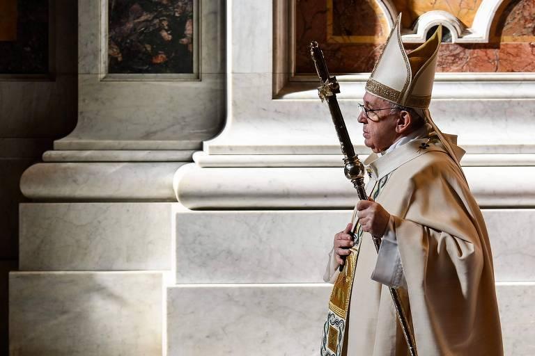 Em novo livro, papa Francisco defende reforma política e econômica contra novas crises
