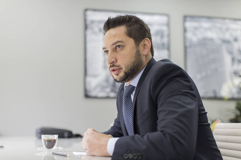 Presidente do PSDB fala em abrir mão por 3ª via, mas secretário de Doria diz que partido terá candidato em 2022