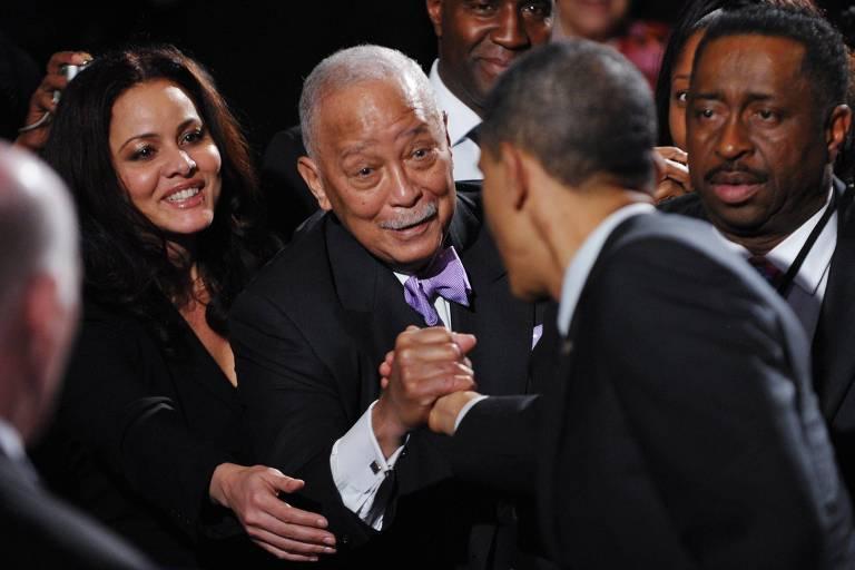 David Dinkins, único prefeito negro de Nova York, morre aos 93