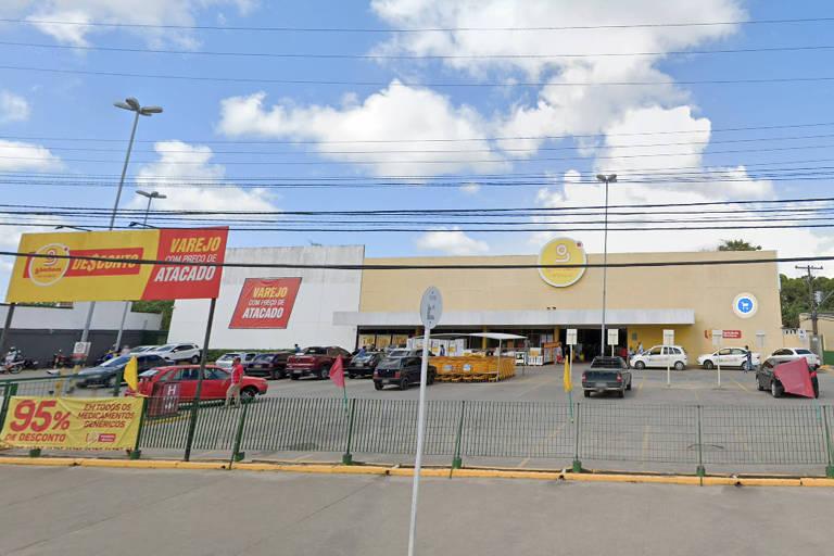 Supermercado da rede GBarbosa, no bairro de Tabuleiro, em Maceió, onde jovem negro de 19 anos diz ter sido agredido