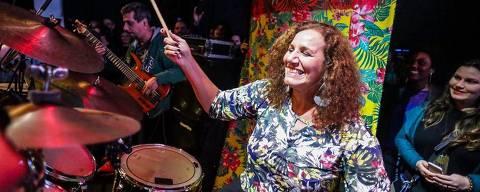 Jandira Feghali (PCdoB-RJ), além de médica, é baterista