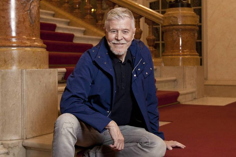 "Miguel Falabella, diretor da ópera ""A Viúva Alegre"" antes de ensaio aberto no Teatro Municipal"